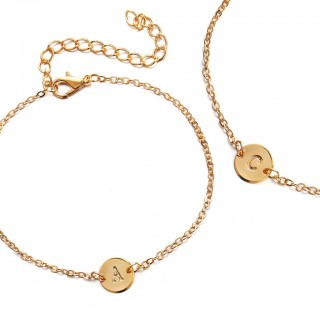 Simple gold link bracelet with letter dangle - V