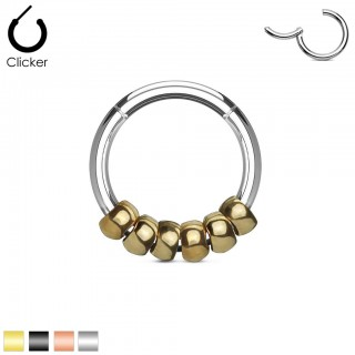 Segment ring with hinged segment and coloured beads