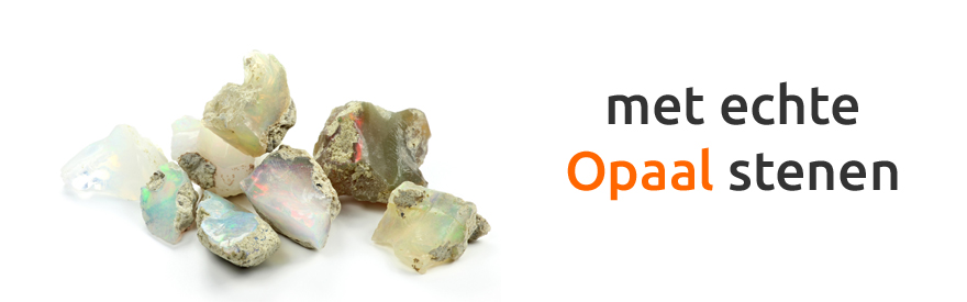 Oor piercing met opaal steen